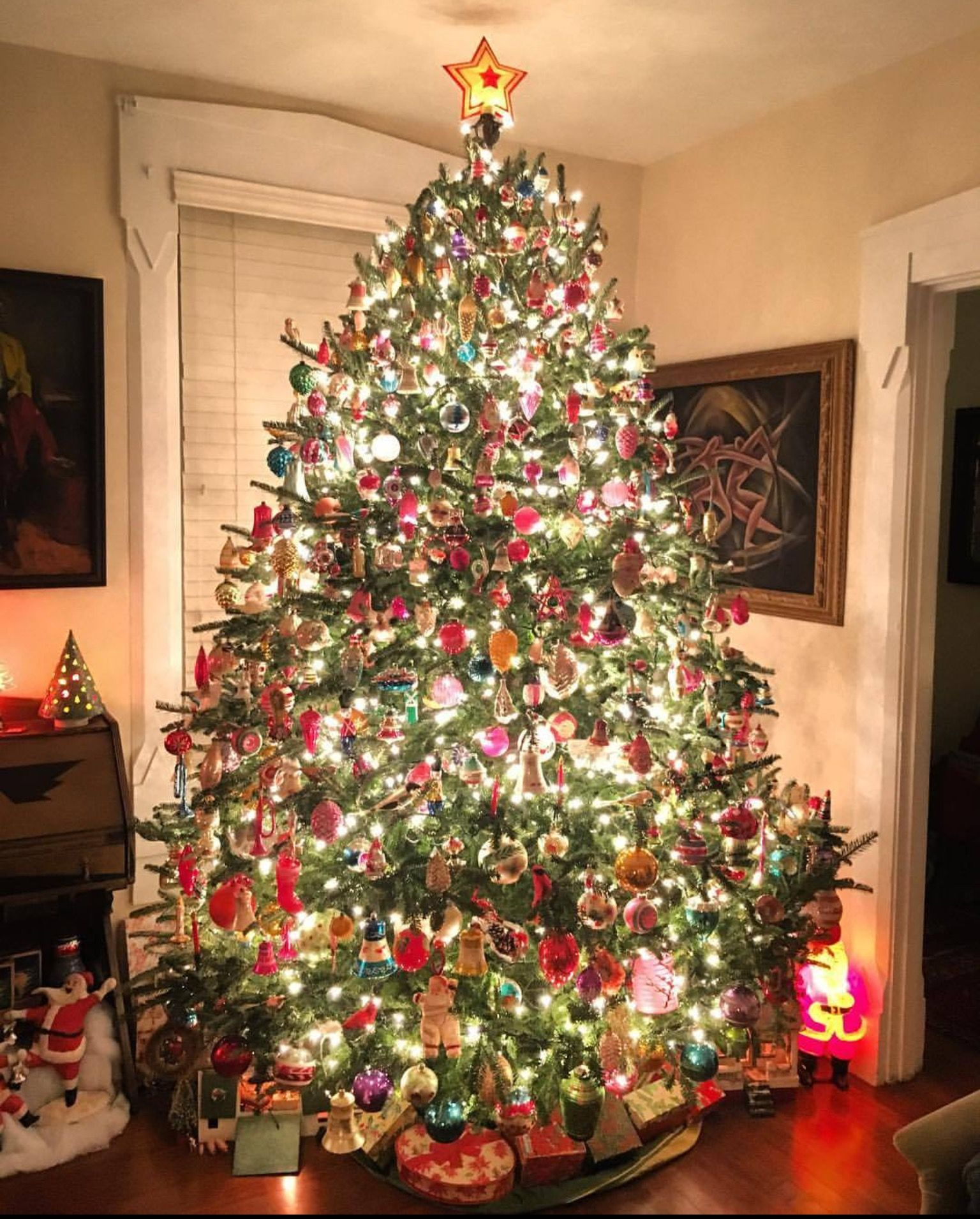 Vintage Christmas Tree: A Very Vintage Christmas Bob Richter's Own Holiday Tree