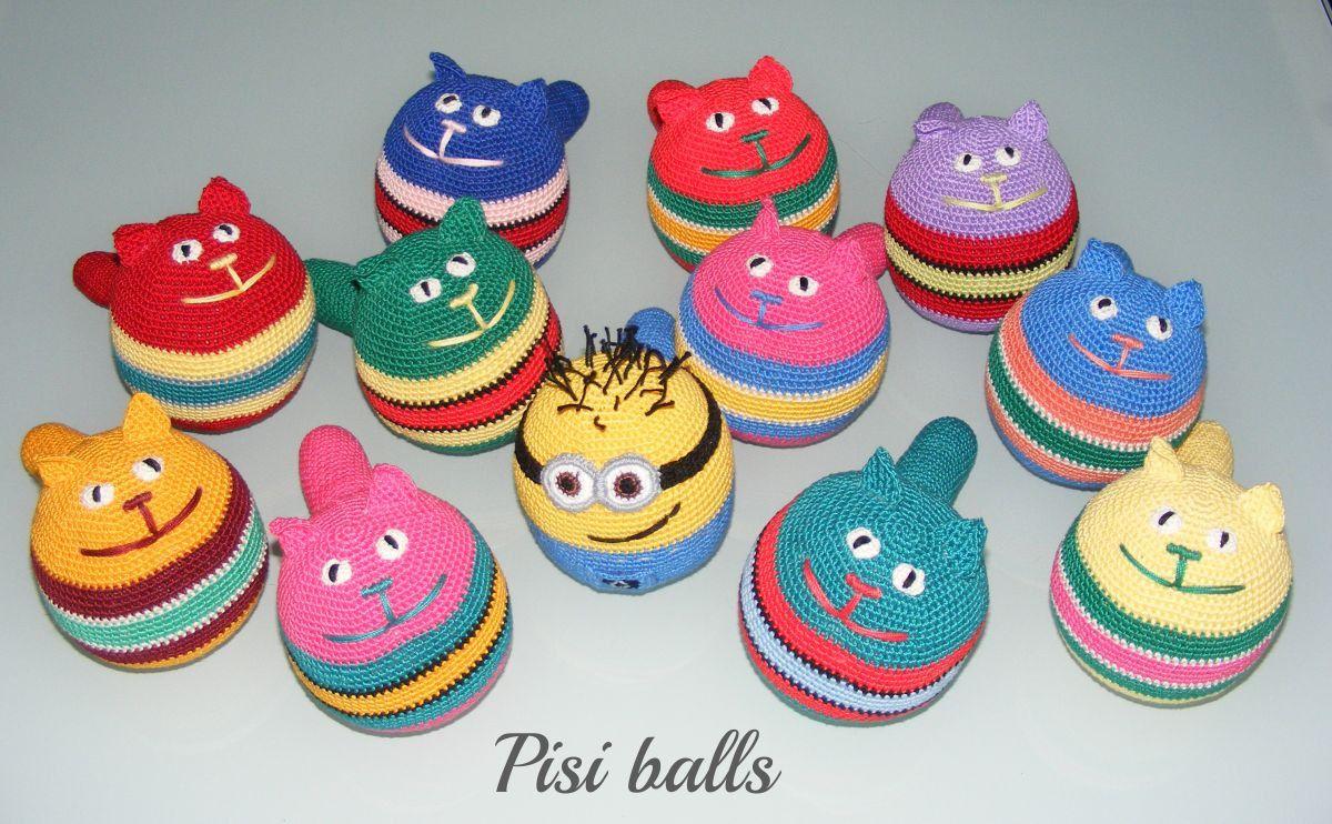 Crocheted Amigurumi Ball Cat | Julia Datsiy | Flickr | 742x1200