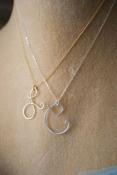 Love the L initial necklace.