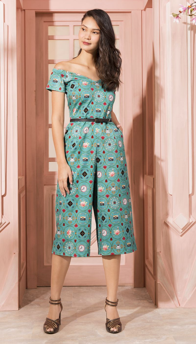9ae86474c Macacão Amelie Verde | Antix Ciganinha Jeans, Vestido Novo, Vestido  Tubinho, Roupa Macacão