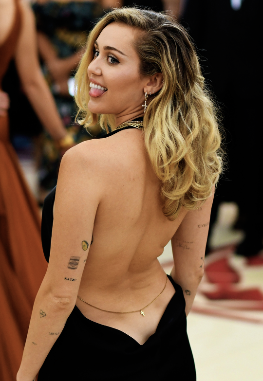 2b5b125e867 Miley Cyrus attends 2018 MET Gala Heavenly Bodies: Fashion & The Catholic  Imagination Costume Institute Gala in New York on May 7th, 2018
