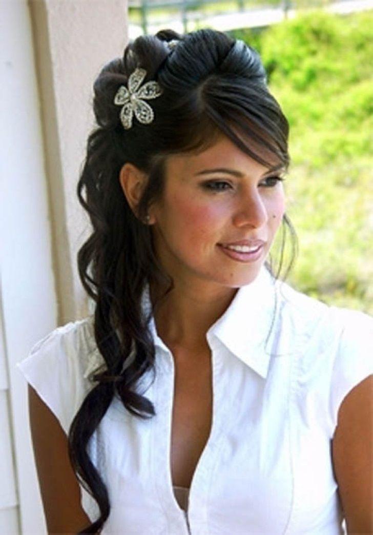 Beach Wedding Hairstyles For Black Hair Wedding Hairstyles For Medium Length Black Hair Cute Wedding Hairstyles Hair Styles Bridesmaid Hair Wedding Hair Down
