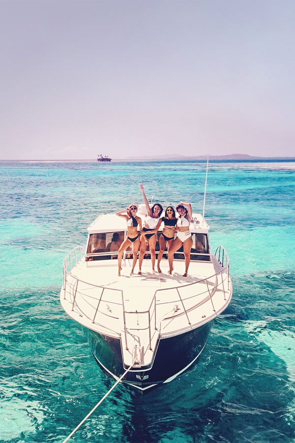 Best Travel Jobs in 2020 – 50 Ways To Make Money While Traveling The World