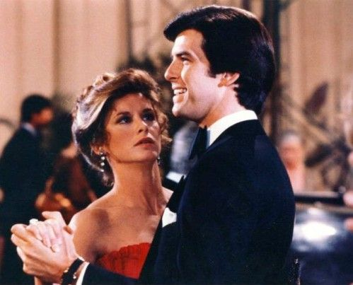 relationship between stephanie zimbalist and pierce brosnan