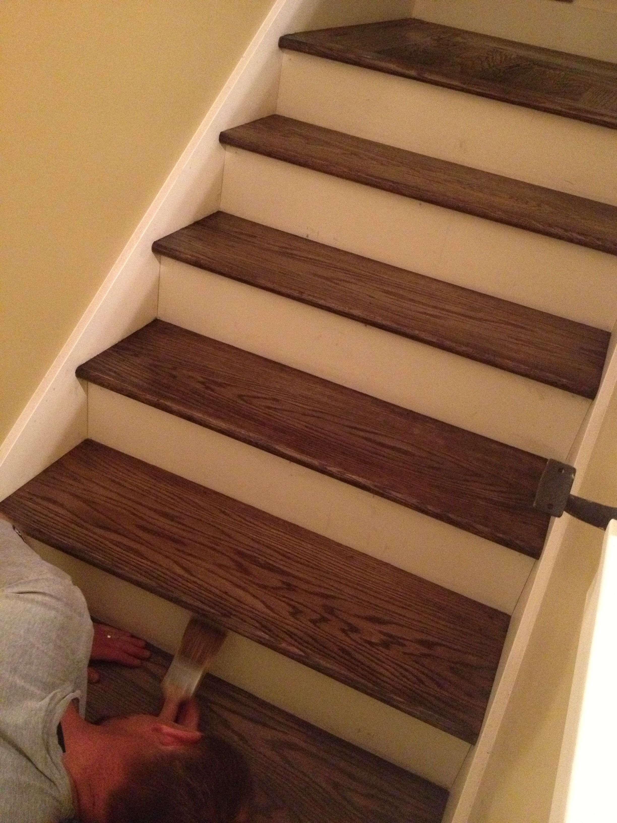 Foyer Rug Vinegar : Painting stairs with poly after stained cider