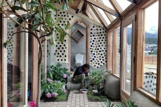 Michael Reynolds Lands One of His Self-Sufficient Earthships at the End of the World