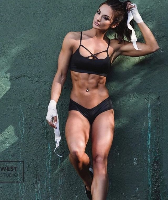 Only Ripped Girls: Photo