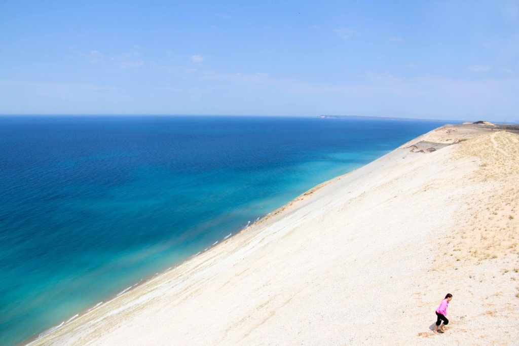 A Drive Through Sleeping Bear Dunes Michigan Travel Traverse City Places To Go