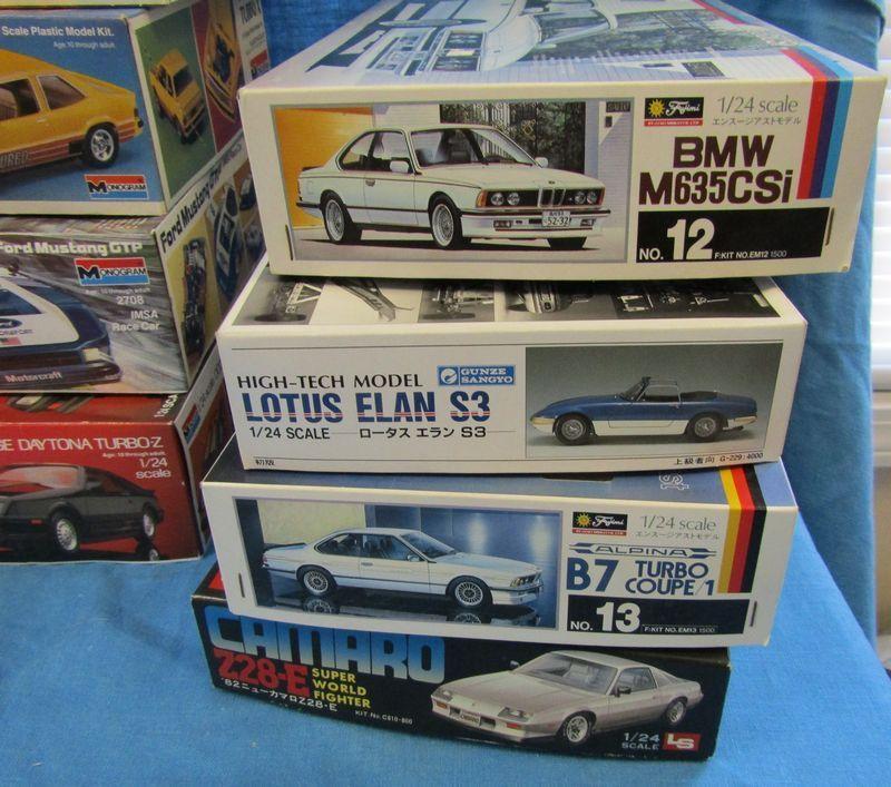 28 Vintage Plastic Model Car Kits Unembled In The Bo Makers Include Monogram Gunze Sangyo Fujimi Tamiya Amt Jo Han