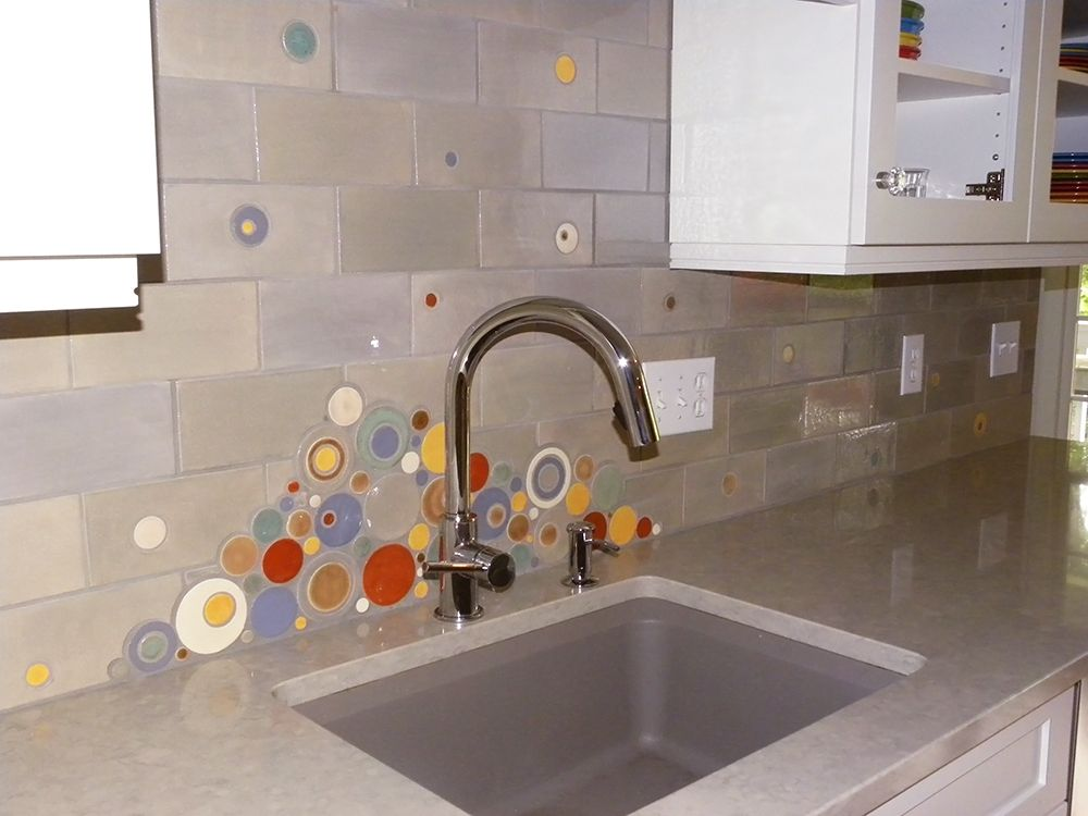 Backsplash Tile That Is Perfect For Fiesta Dishes 815w Light Grey With Organic Edge Bubbles