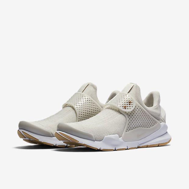 uk availability dfd9e 8c187 Nike Sock Dart Womens Shoe
