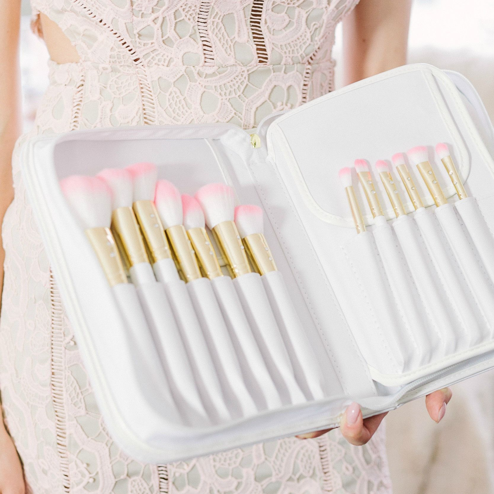 White Glam Brush Book💕 Beauty brushes, Glam, Beauty routines
