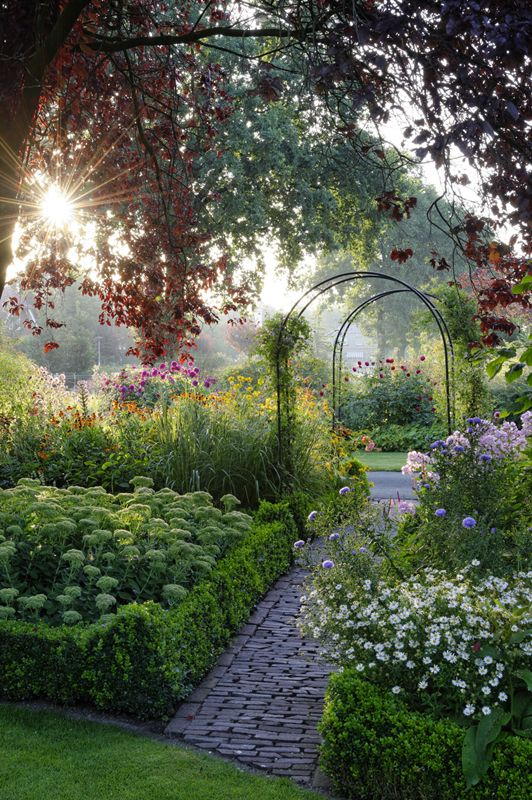 Gardens #Garden #path and #arbor Landscapes Pinterest Jardín - paisajes jardines