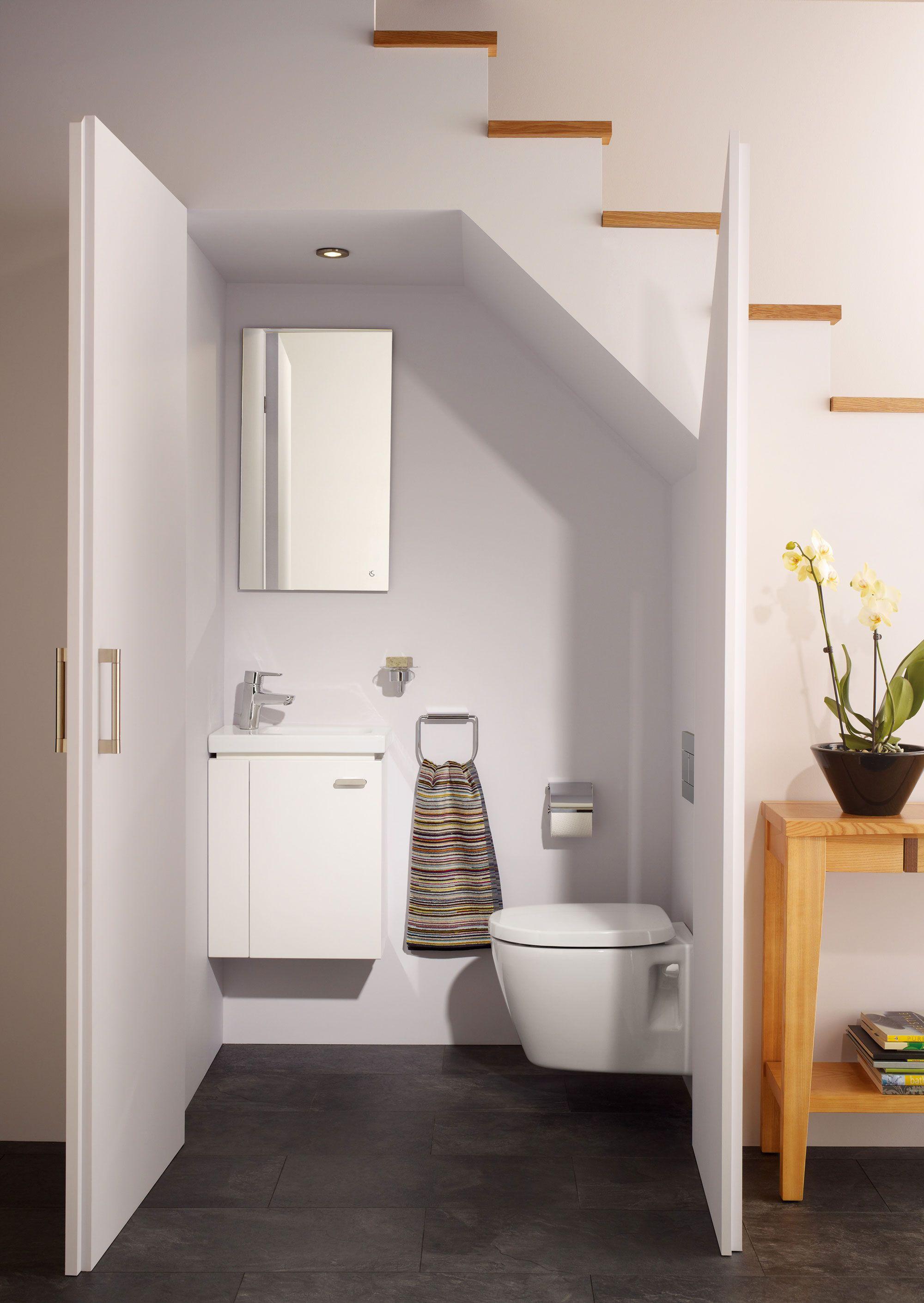 Sanitari Scala Ideal Standard sanitari sospesi e lavandini bagno salvaspazio. foto (con