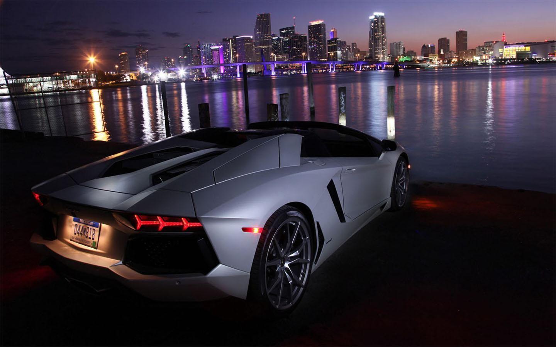 Lambobo Car Wallpapers Lamborghini Luxury Car Photos