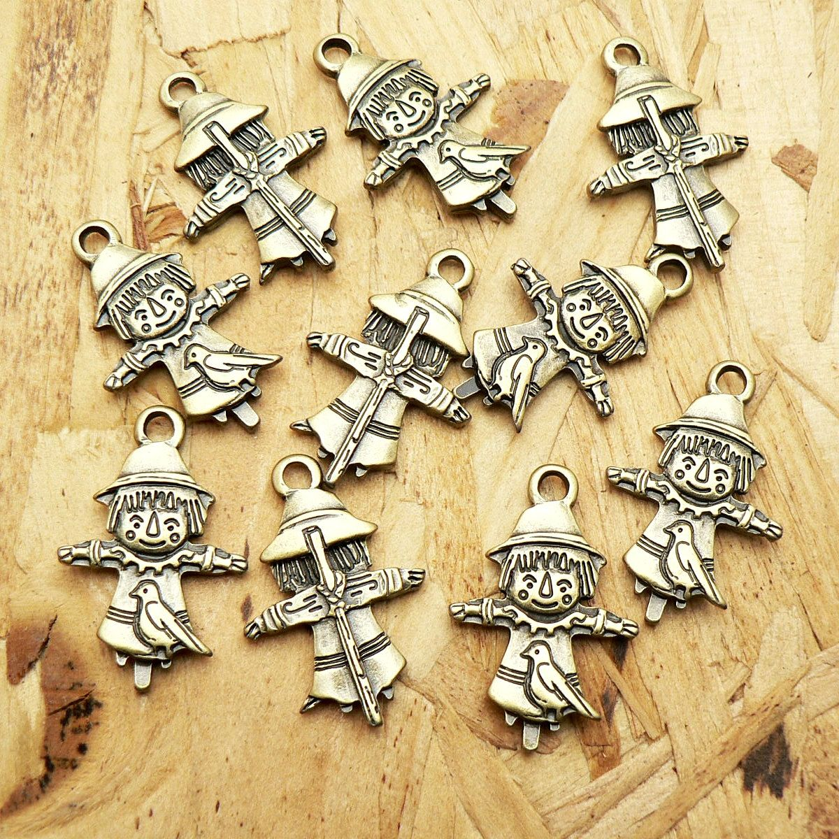 Scarecrow Charms Antique Brass Tone 2 Side A272 by CharmShopCrafts on Etsy