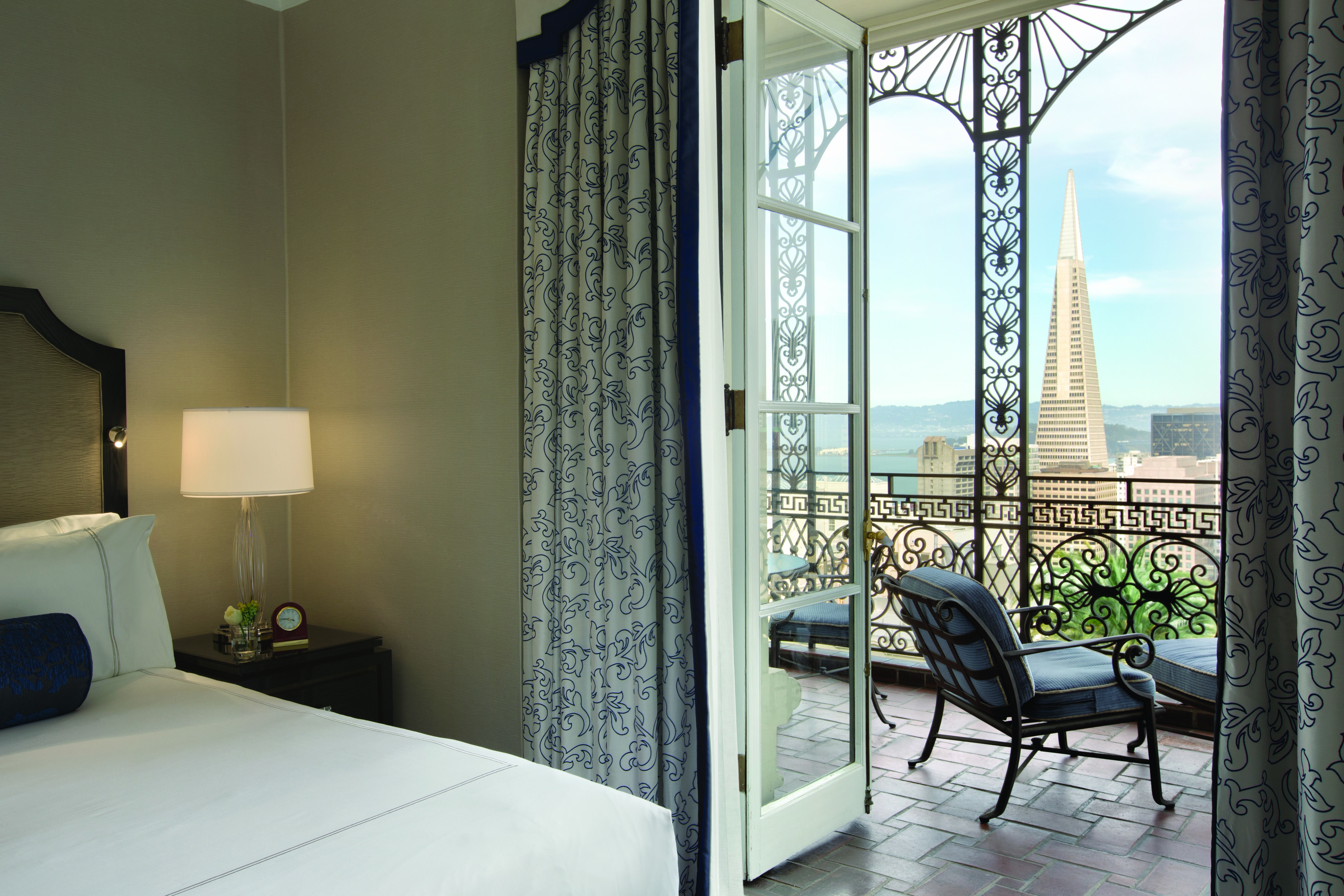 Fairmont San Francisco Balcony Suite, Luxury Stay, Room With A