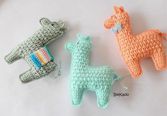89bc6da7ed038f Lama / Alpaca / CuBies gehaakte rammelaar / Driedubbel speelplezier/ Lama  Knuffel / Box speelgoed / Peuter speelgoed / Montessori speelgoed