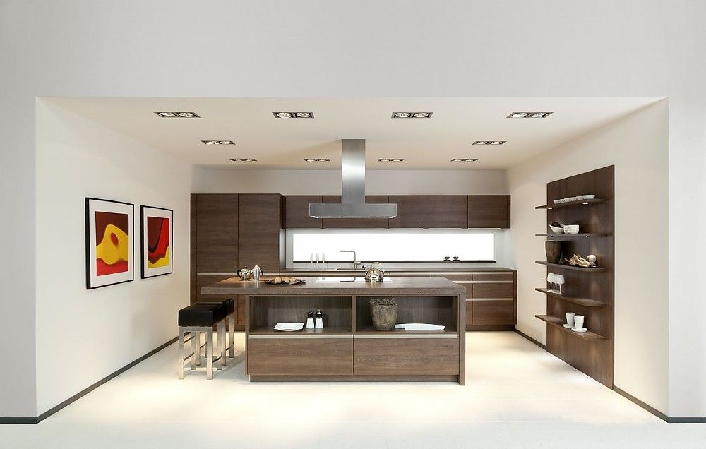 Moderne küchen mit insel l form  Moderne weiße Küche mit Insel und Sitzgelegenheit. | küche ...
