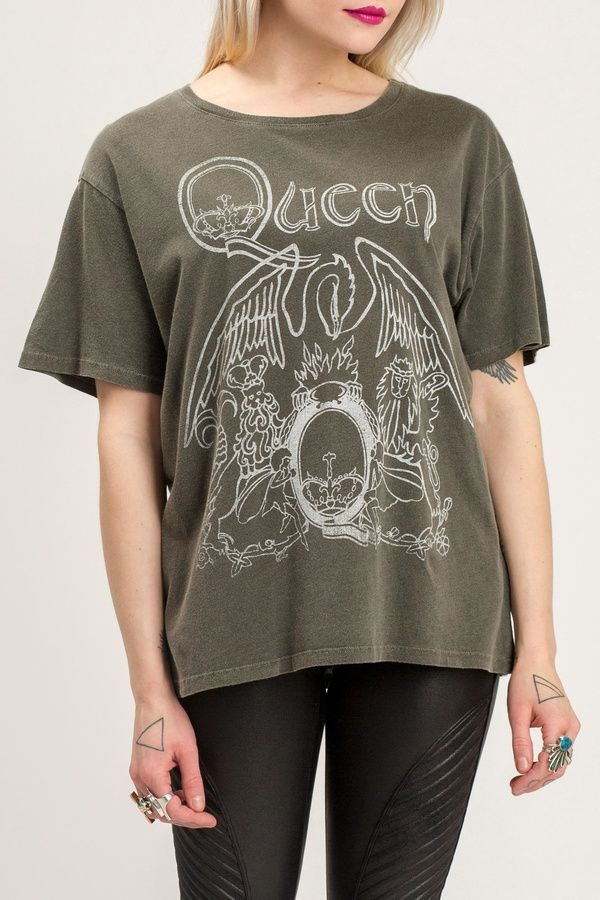 e30908e06 Daydreamer Queen Band Tee | outties in 2019 | Band tee outfits ...