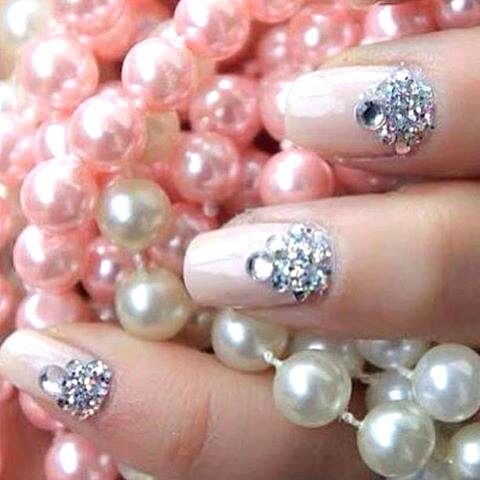 Diamond Pearl Nails I tried this it looks so pretty. U can use nail art  stickers for the diamonds? - Nail Designs Bling - Google Search Nail Designs Pinterest