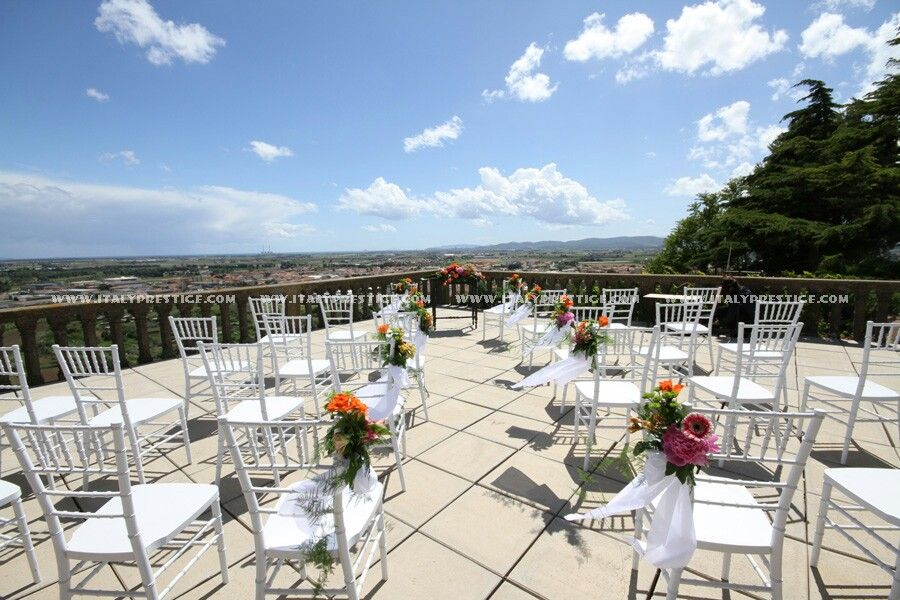 A Beatiful Terrace For Your Wedding Italy Www Weddingcastleitaly Com Luxury Villa Rentals Italy Getting Married In Italy