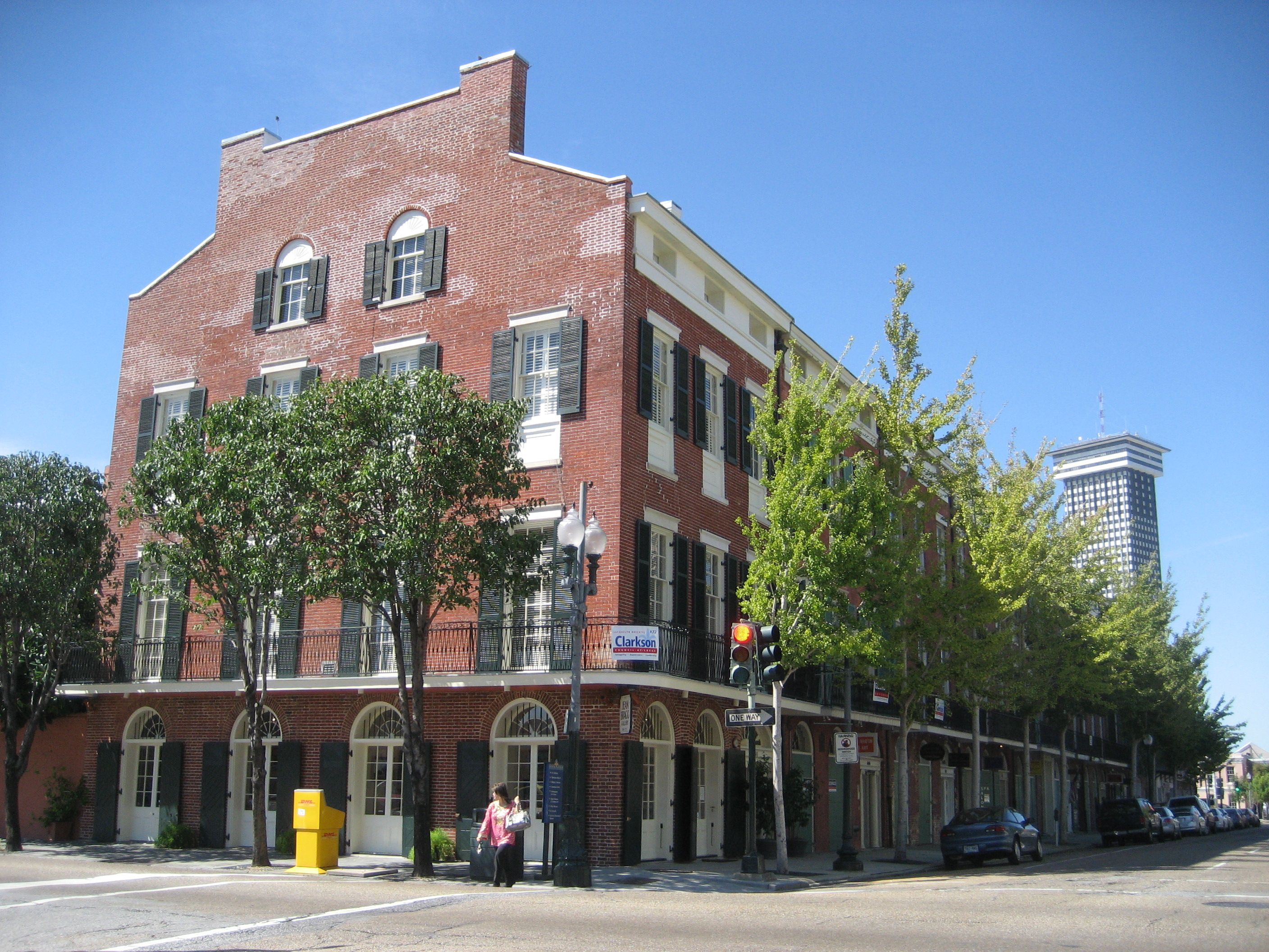 Federal Townhouses With Commercial Space Behind The Ground Floor Arcaded Windows Style Architecture Occurred In United States Between 1780 And