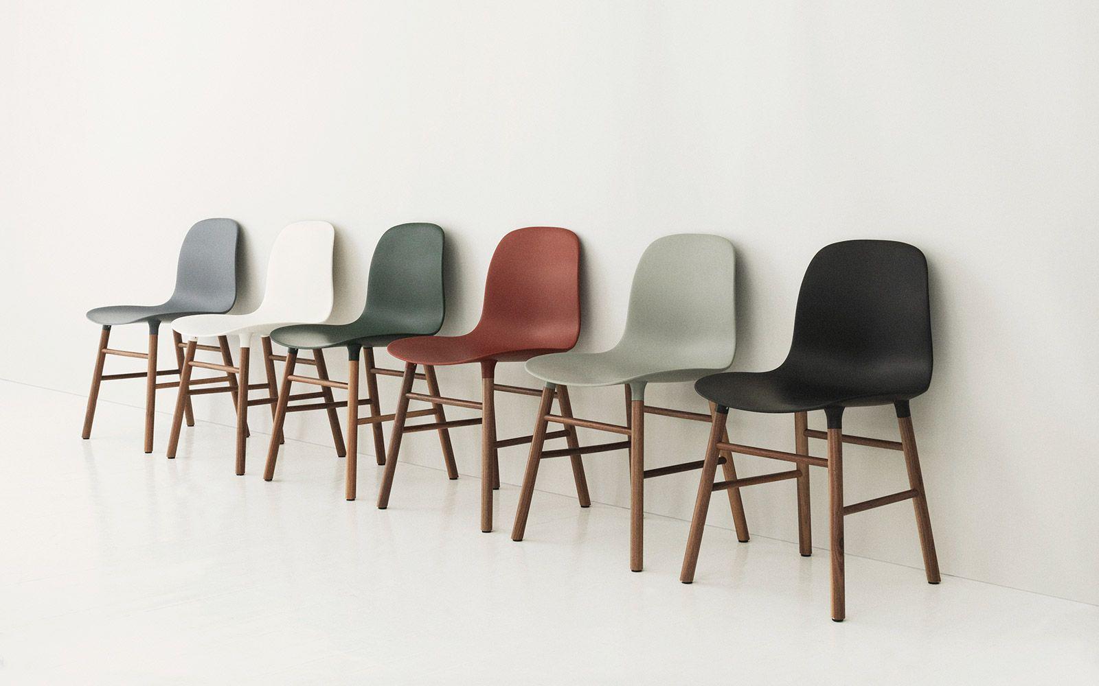 Scandinavische Design Stoelen.Form Chair Black Oak Met Afbeeldingen Eetkamerstoelen Stoelen