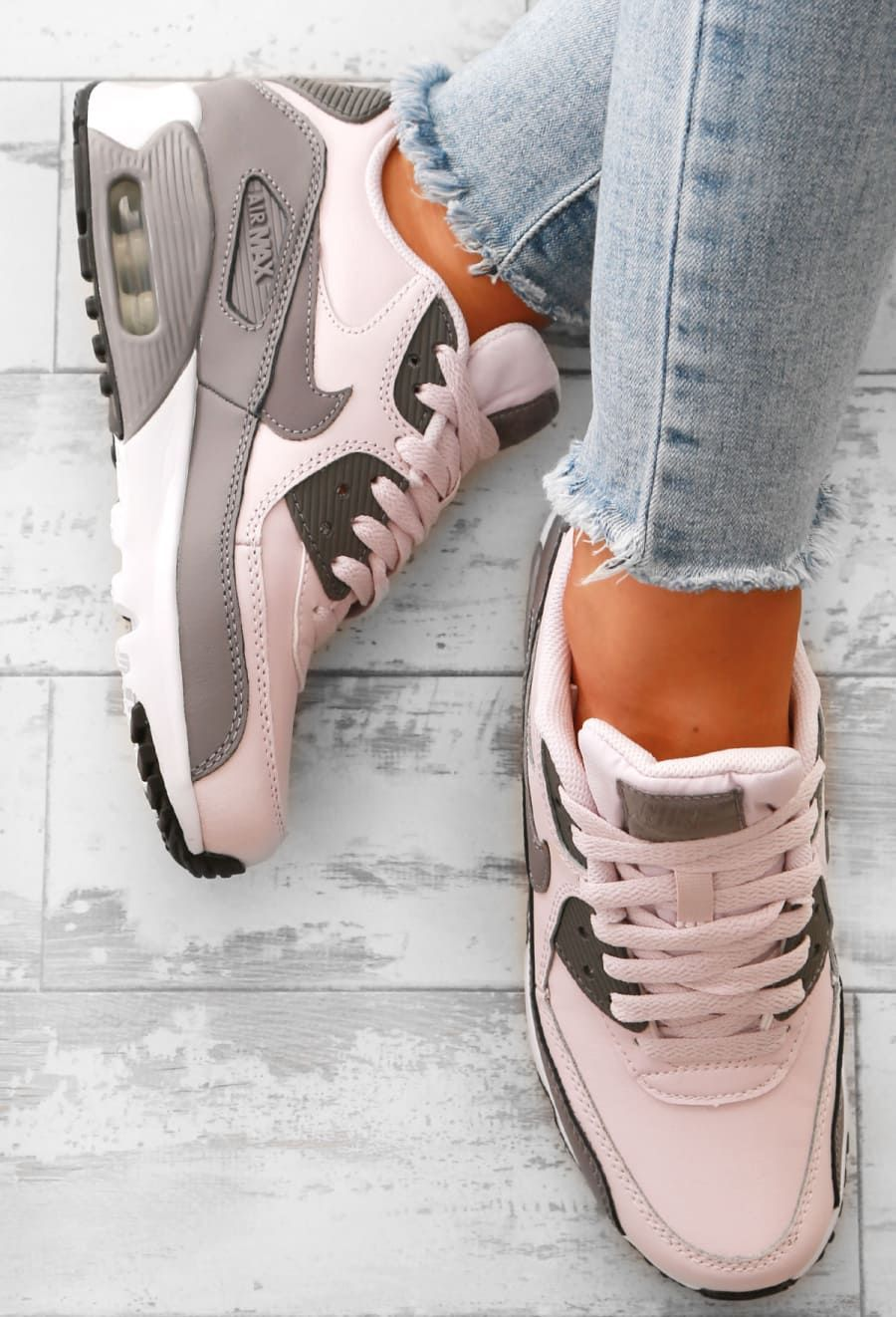 hot sale online 5bda8 0172d Nike Air Max 90 Grey and Rose Trainers