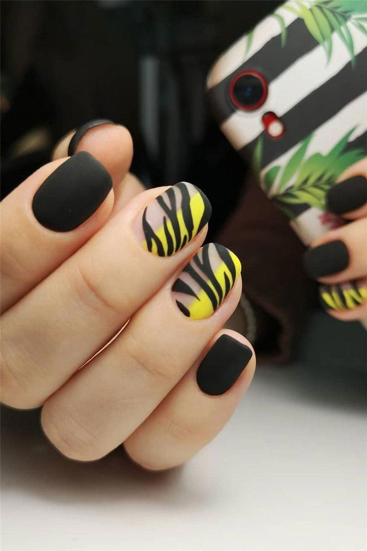 Yellow Halloween 2020 Ponce Pin by Lorena Martinez Ponce on Nails & designs in 2020 | Nail