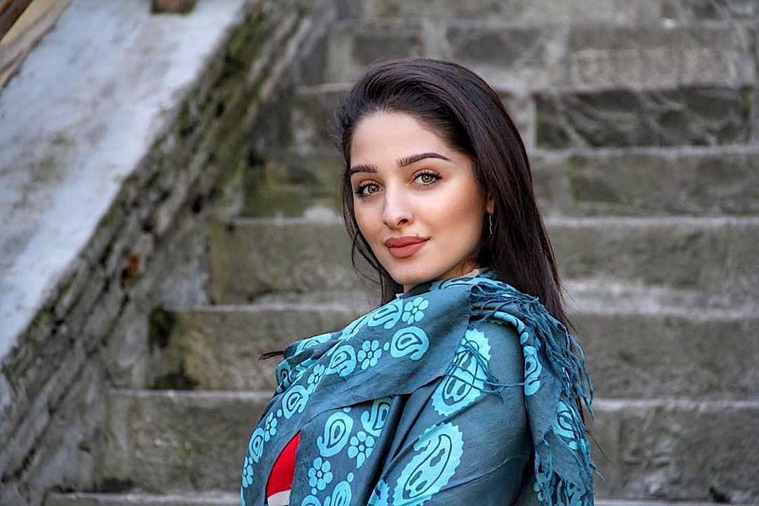Azerbajdzhanka Azeri Girl Azerbaijan Beauty Beautiful Photography