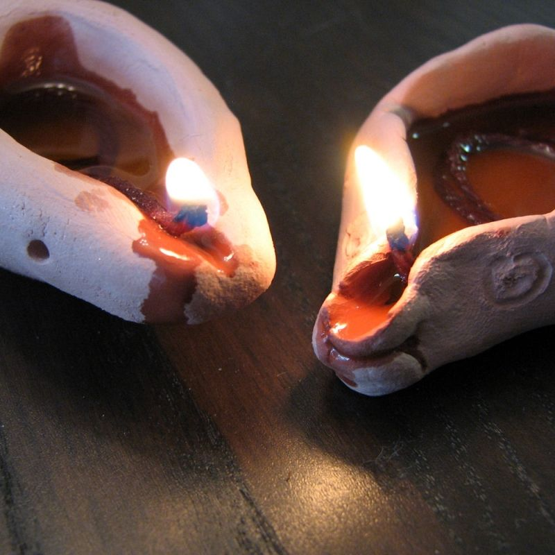 Diy How To Make A Clay Oil Lamp Oil Lamps How To Make Porcelain Clay