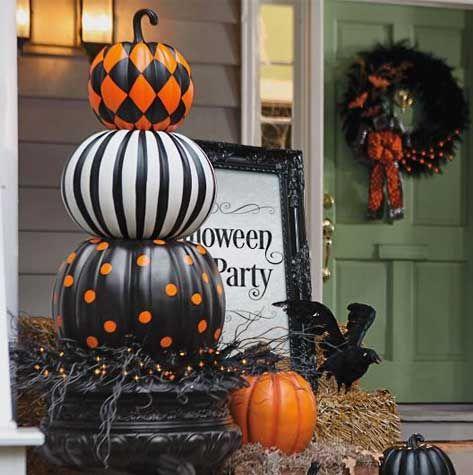 Halloween Decorations - Halloween Decor - Grandin Road pallet - classy halloween decor