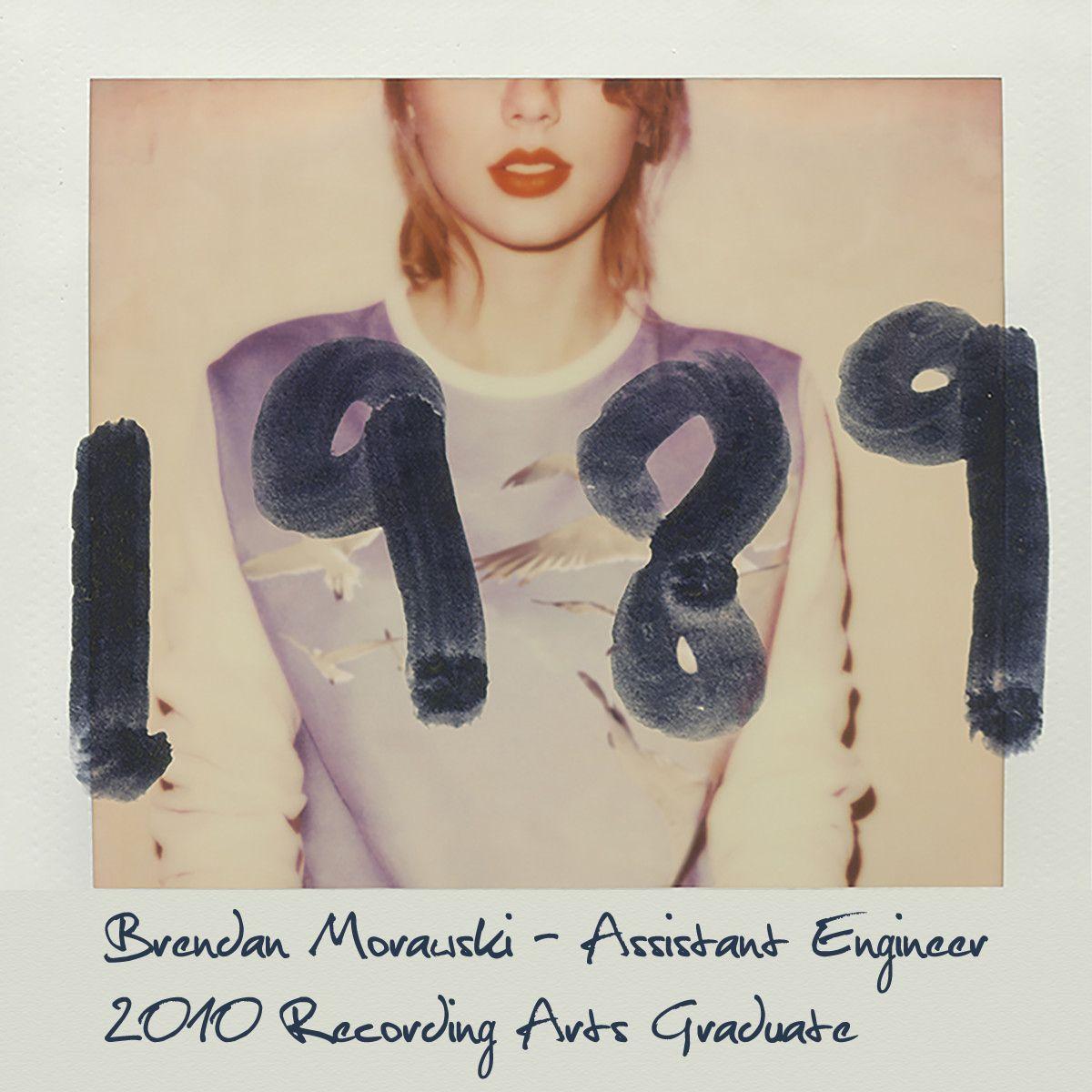 Grad Brendan Morawski Worked As An Assistant Engineer On Taylor  ~ Album De Fotos Tradicional El Corte Ingles