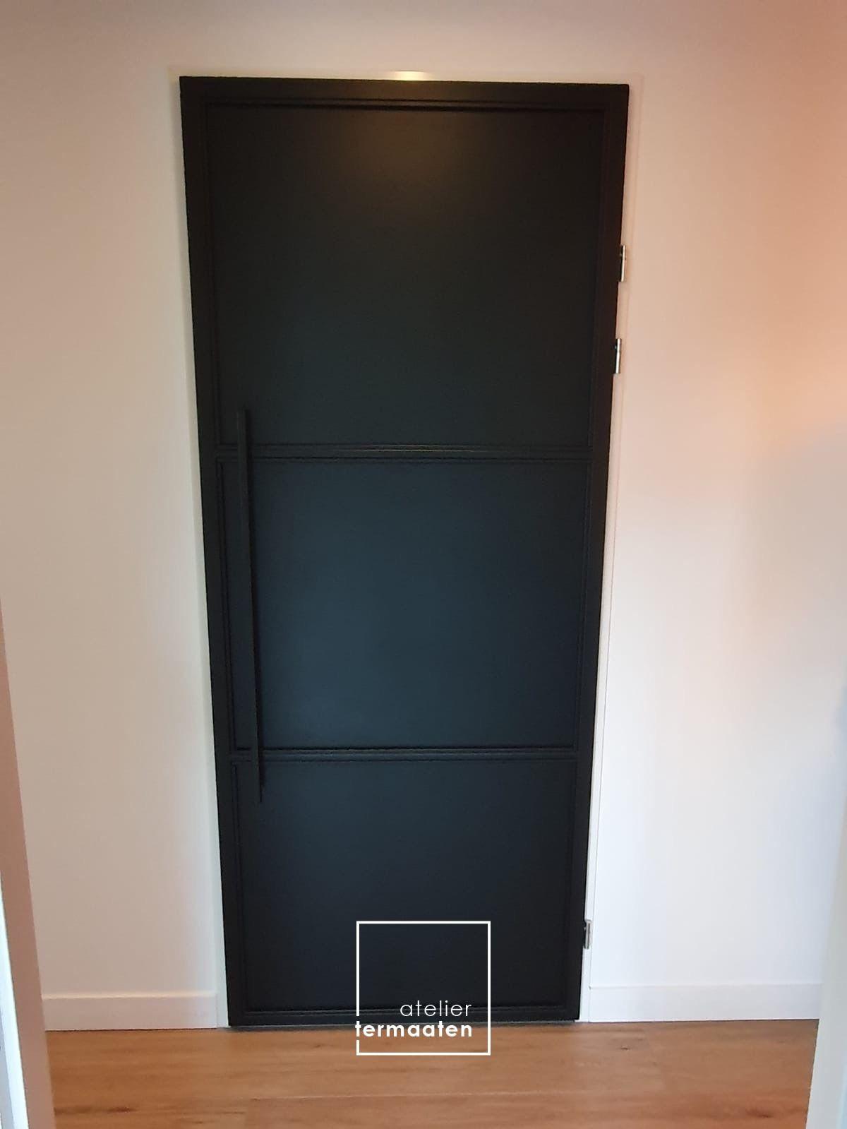 Stalen toiletdeur Spaarndam – Atelier Termaaten