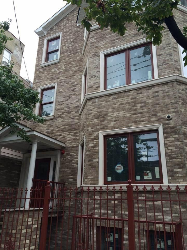 2408 Summit Avenue 3 Union City Nj For Sale Trulia With Images Union City City House Styles