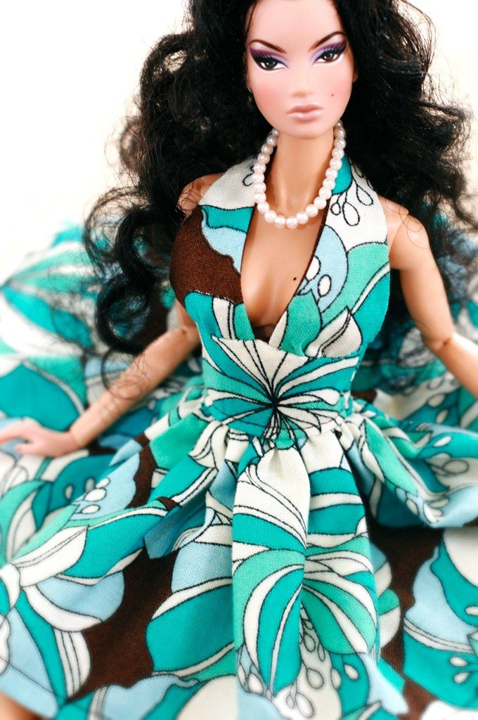 Turquoise Barbie House: Turquoise & Brown Beauty