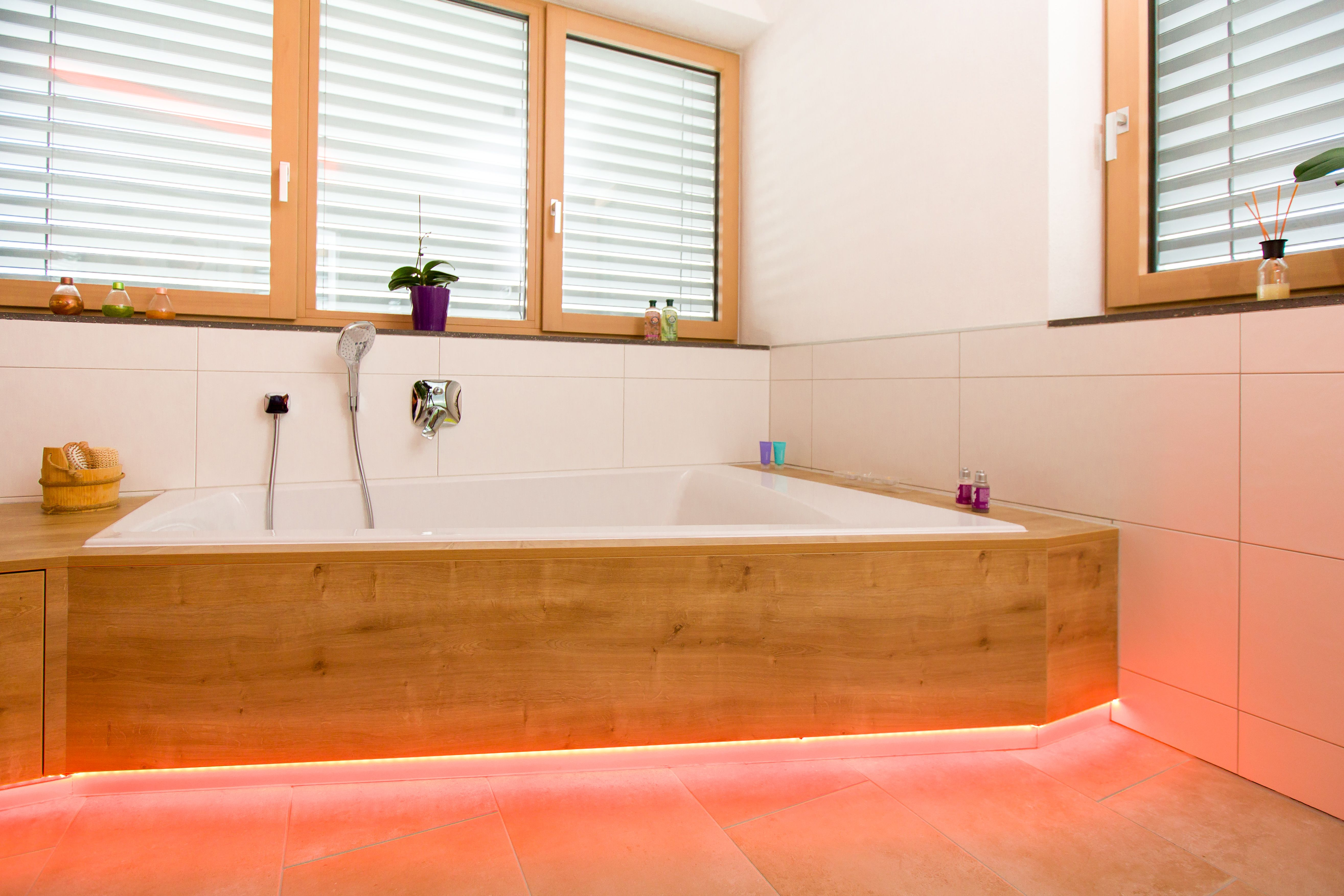Lichtsteuerung Mit Loxone Atemberaubende Beleuchtung Lichtsteuerung Led Spots Lichtideen