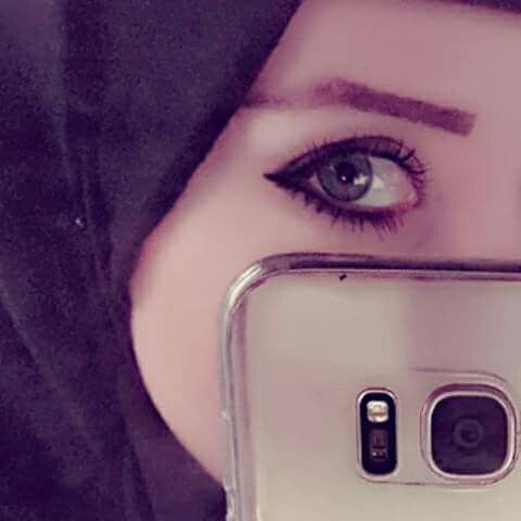 Pin By Fouzia Jabeen On Dpzzzz Girl Photography Poses Hijabi