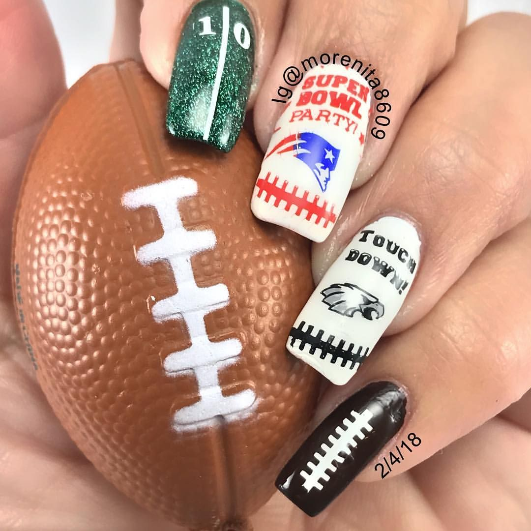 It\'s almos game time and this girl is ready for some football Who ...