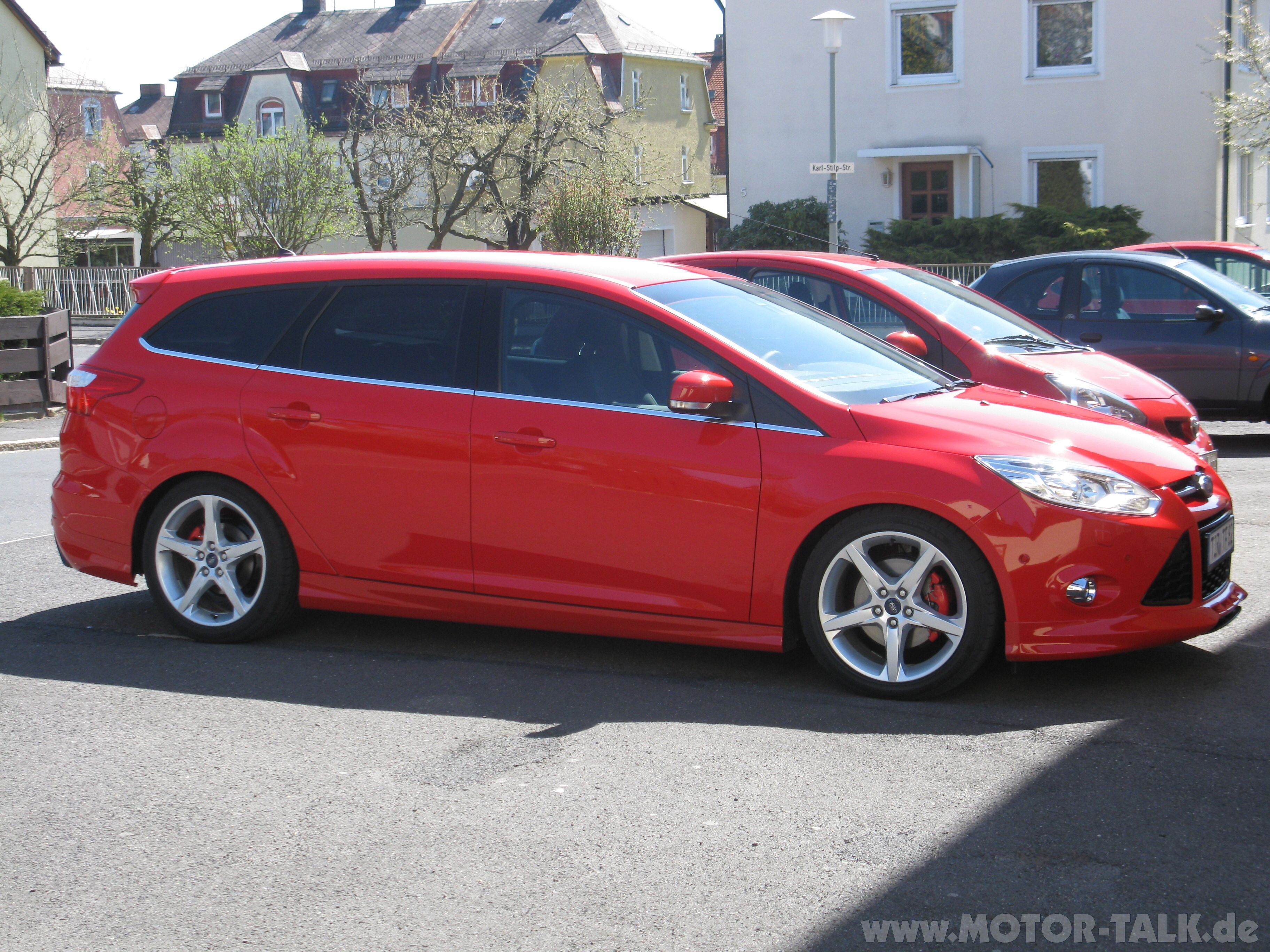 ford focus wagon zetec s wheels ford focus wagon ford. Black Bedroom Furniture Sets. Home Design Ideas