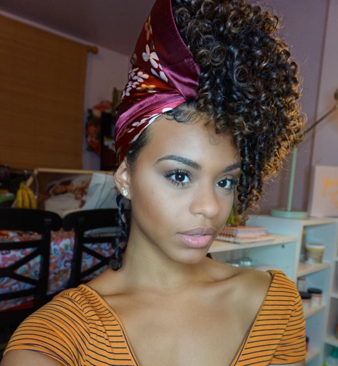4 598 Likes 48 Comments Chelliscurls Curly Styles Chelliscurls On Instagram This Is How I Sle Natural Hair Spray Natural Hair Styles Sleep Hairstyles