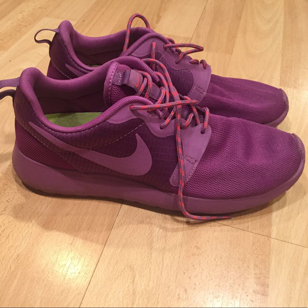 Nike Shoes | Nike Roshe- Solid Magenta