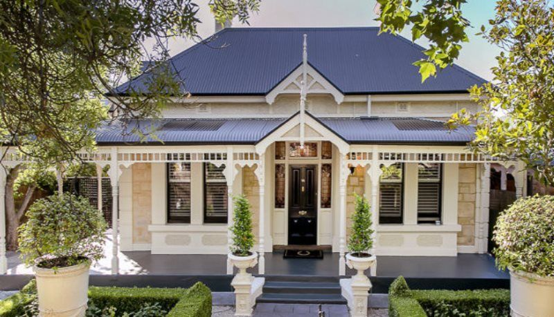 Sandstone Villa With Black Iron Roof Facade House Queenslander House Colonial House