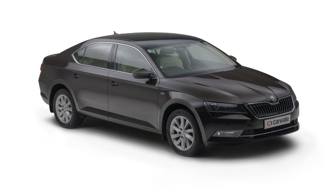 Skoda Superb Variants Get Price Mileage And Available Offers In