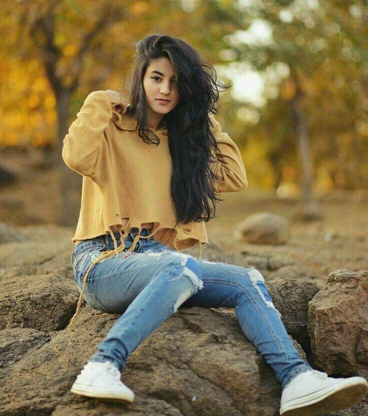 Maniish Girl Poses Stylish Girls Photos Stylish Girl Pic