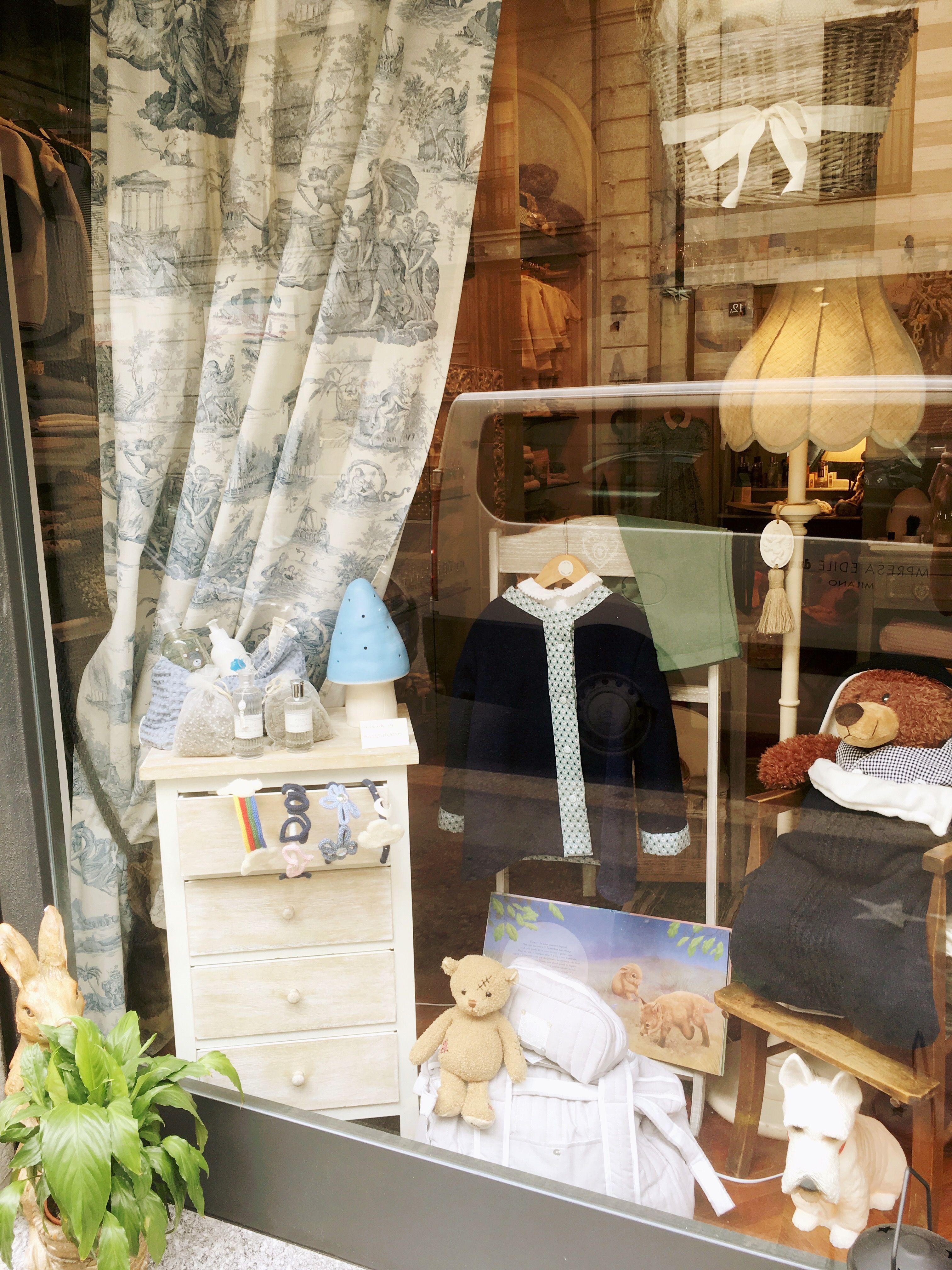 71 Rue Du Bac, Children's Clothing Store in Milan. Piccolo spazio dedicato ai bambini.