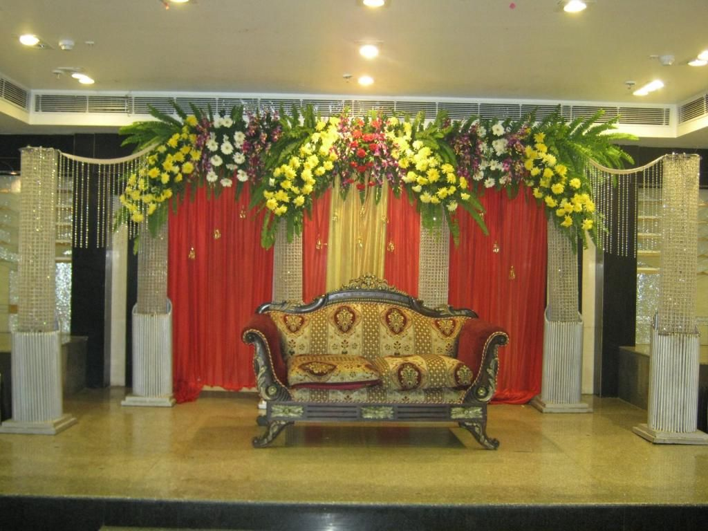 Bangalore stage decoration design 388 wedding stage for Backdrops for stage decoration