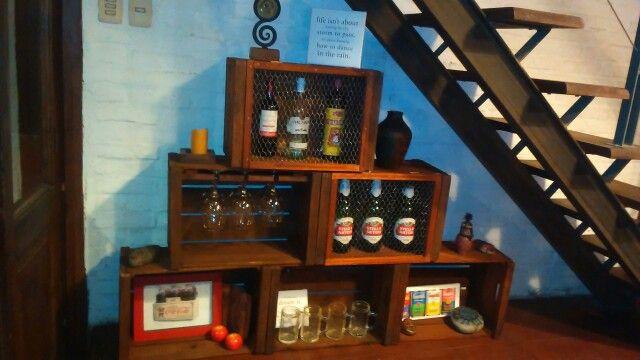 Bar transformable con cajones de verduras paletizate for Diseno de muebles con cajones de verduras