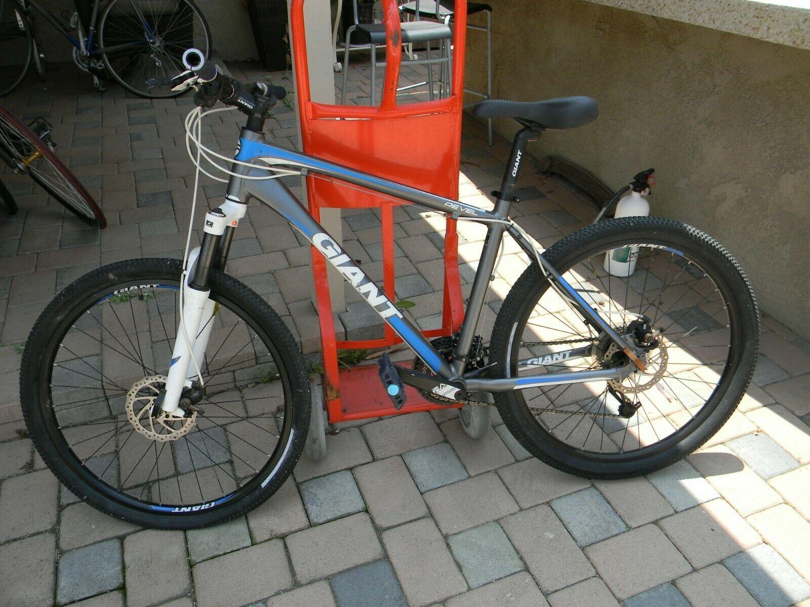 Giant Revel 1 Disc Mountain Bike 24 Speed Mountain Bike Ideas Of Mountain Bike Mountainbike Bike Bicycle Giant Revel 1 D Bicycle Bicycle Chains Bike